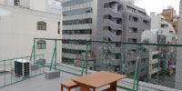 心斎橋駅徒歩5分、中央区南船場シェアハウス屋上ベンチ